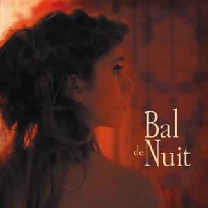 - La nuit, une call-girl erre dans les couloirs d'un hôtel - Bal de Nuit est le troisième court métrage de Clémence Madeleine-Perdrillat, produit par Karin Sitbon chez Utopie Films