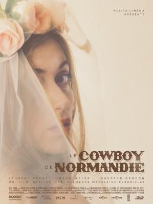 """- Jim est cowboy dans un pays où il n'en existe pas : la Normandie... - """"Le Cowboy"""" est un court-métrage adapté de Boris Vian, produit par Nolita Cinema pour France Télévision, et réalisé par Clémence Madeleine-Perdrillat"""