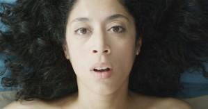 - Alors qu'elle s'apprête à quitter son mari, Agnès a un accident qui la plonge dans le coma - Coma est un court-métrage de Dominique Baumard produit par les films du Worso